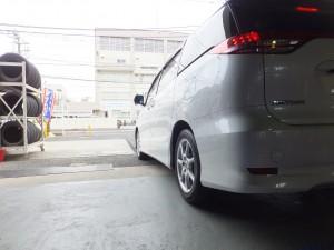 大和市S様よりトヨタエスティマのタイヤ交換を承りました