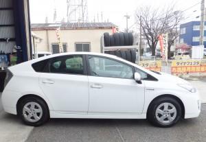 横浜市旭区M様よりトヨタプリウスのタイヤ交換を承りました