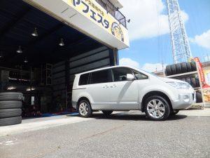 お客様からのご紹介。三菱デリカD5の厚木市Y様、タイヤ交換ありがとうございます。
