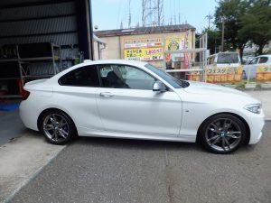 BMWの藤沢市H様より、タイヤ交換を承りました。