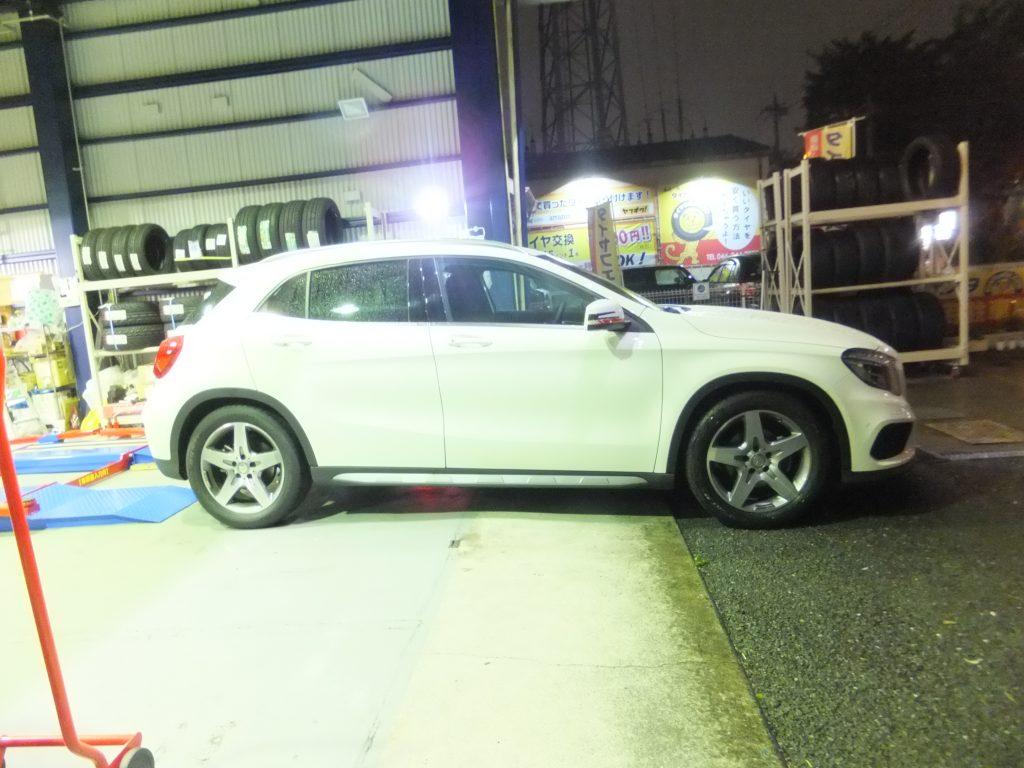 大和市M様 ベンツGLA180スポーツのタイヤ交換「大和市内に持ち込みOKのタイヤ交換店が出来て大変便利です。」