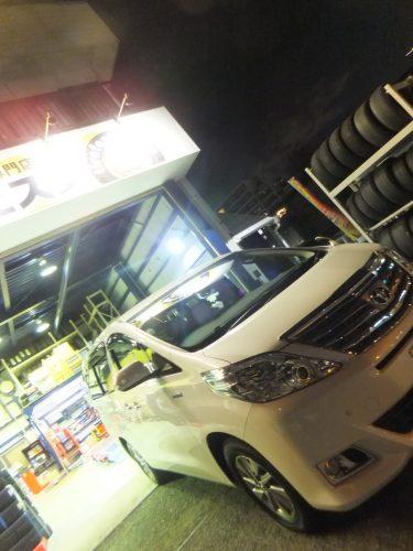 横浜市旭区N様 アルファードのタイヤ交換を承りました。