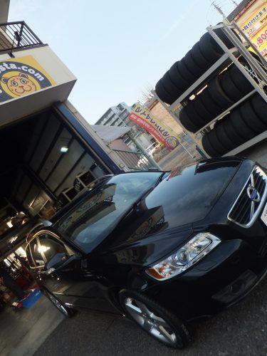 横浜市青葉区H様 ボルボV50のタイヤ交換を承りました。
