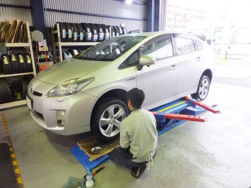 綾瀬市M様 トヨタプリウスのタイヤ交換を承りました!