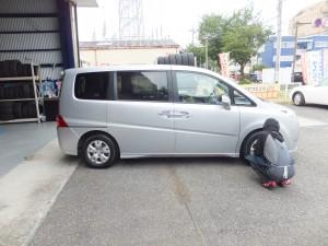 横浜市保土ヶ谷区H様よりホンダ ステップワゴンのタイヤ交換を承りました