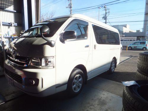 大和市K様 トヨタハイエースのタイヤ交換を承りました。