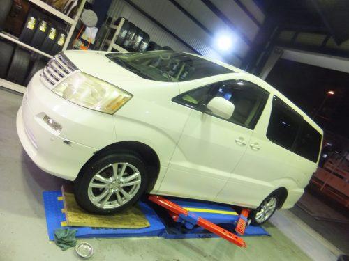 横浜市戸塚区H様 アルファードのタイヤ交換 「タイヤを直送できるので大変助かりました。」