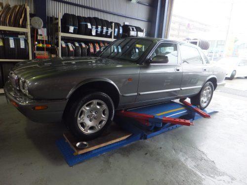 相模原市I様 ジャガーXJ「タイヤを直送できるという点がすごく良いと思った」