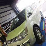 大和市S様より三菱デリカD5のタイヤ交換を承りました。