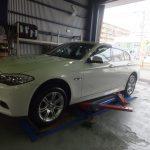 綾瀬市H様 BMW523iのタイヤ交換で約8万円の節約!!
