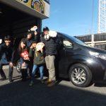 横浜市T様ホンダステップワゴン「非常に親切・丁寧です♪」スタッフとパチリ♪