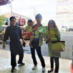 大和店♪藤沢市N様 N-BOXのタイヤ交換でスタッフとパチリ♪