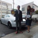 大和店♪東京都町田市T様 べンツCLS「バス広告で知りました!」スタッフとパチリ♪