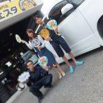 2回目のご利用♡綾瀬市Y様 アルファードのタイヤをネットで買って3万円以上の節約!!スタッフとパチリ♪