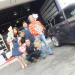 大和店♪藤沢市T様BMWのタイヤ交換でスタッフとパチリ♪ネットでタイヤを買って約10万円の節約!!