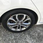 湘南平塚店♪茅ヶ崎市 H様 ベンツ C200のタイヤ交換を承りました♪タイヤをネットで買って¥15,000~20,000円の節約!!