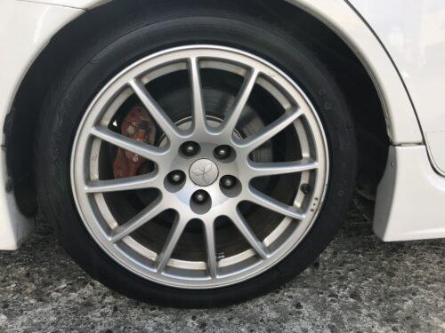 湘南平塚店♪平塚市N様 三菱 ランサーエボリューションのタイヤ交換を承りました♪「ネットでタイヤを購入して30,000円以上お得に」‼