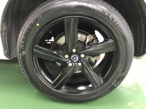 湘南平塚店♪U様 ボルボ XC60のタイヤ交換を承りました♪ネットでタイヤを購入して¥30,000以上の節約!!