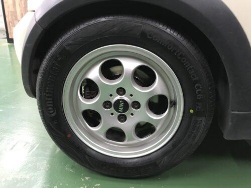 湘南平塚店♪藤沢市 H様BMW ミニクーパーのタイヤ交換を承りました♪ネットでタイヤを買って¥20,000~¥30,000の節約!!